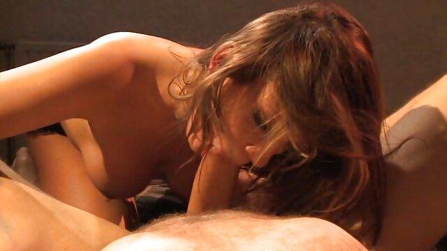 Szörny egy hatalmas kakas szopás családi pornó filmek